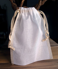 "Natural Muslin Bags with Ivory Serged Edge - 5"" x 7"""