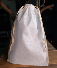 "Natural Muslin Bags with Ivory Serged Edge - 6"" x 10"""