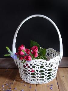 "Stiffened Lace Basket - 4"" dia bottom, 5""H"
