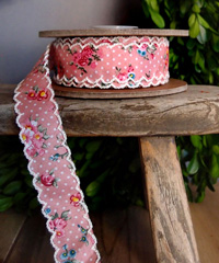 Pink Vintage Floral Ribbon with Scalloped Edge