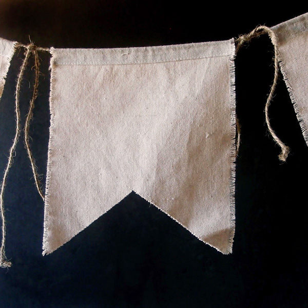 Linen Swallow Tail Pennants