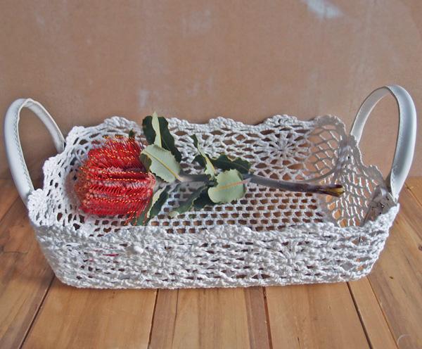 Stiffened Lace Flower Tray