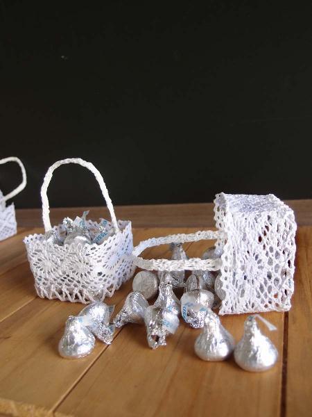 Mini Lace Favor Basket