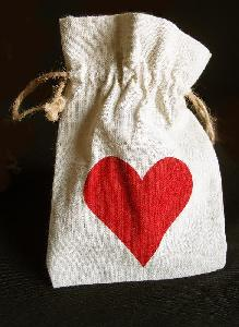"Linen Bag with Red Heart Print 5x7 - 5""W x 7""H"