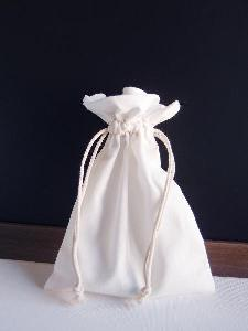 "White Cotton Bag 5x7 with Ivory Stitching - 5"" x 7"""