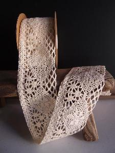 "Ivory Lace Ribbon - 2 3/4"" x 10Y"