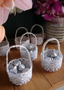 Mini Lace Favor Baskets - 6pcs with hanger tab